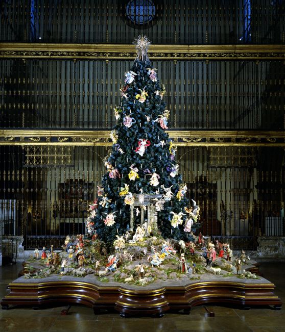 1.-Annual-Christmas-Tree-and-Creche